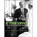 At Your Service: A Hands-On Guide to the Professional Dining Room [平裝] (專業飯廳實用指南)